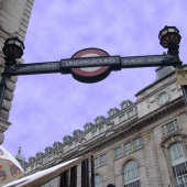 london piccadilly_sq