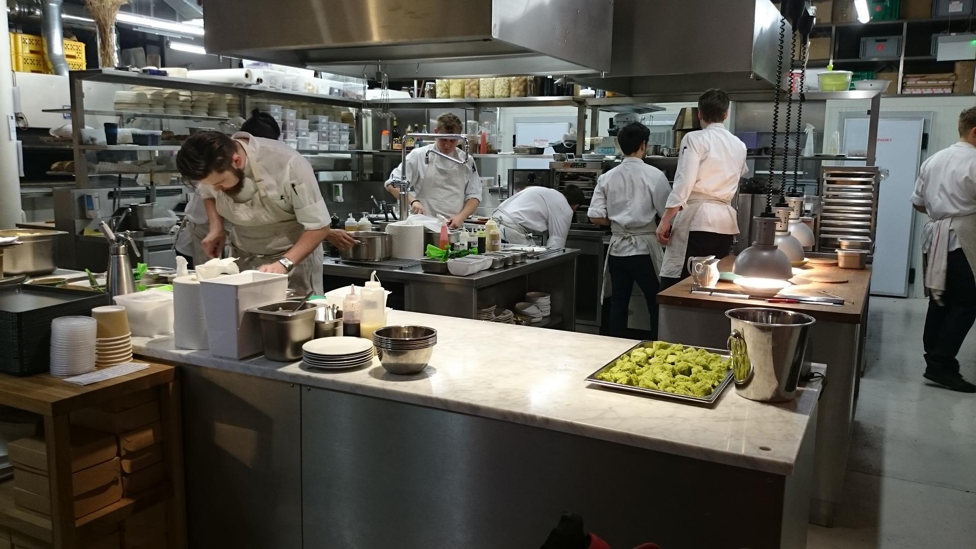 L Catterton Oak Investment add $750m Cheddar s Scratch Kitchen to